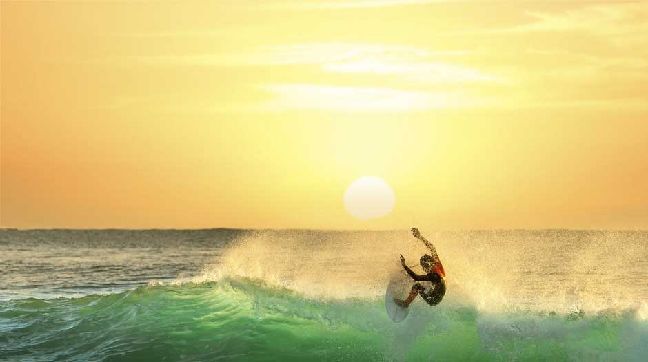 What is the best time of day to surf