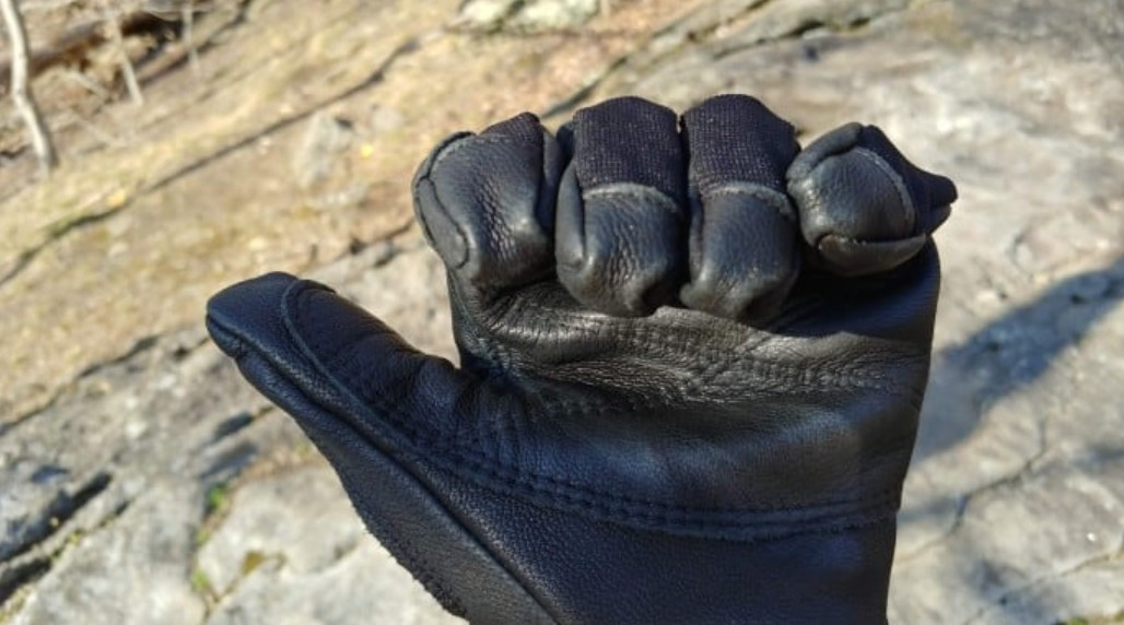 What to Look for When Buying Rock Climbing Gloves